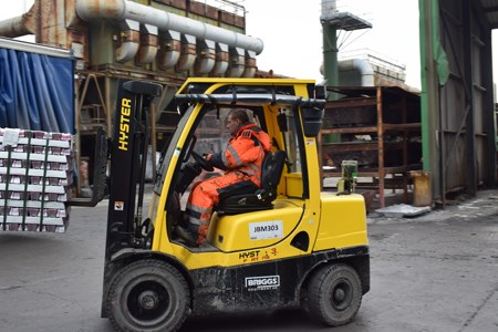Hyster moving bullion